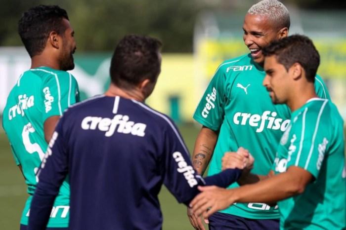 Palmeiras negocia corte salarial com líderes do grupo