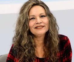 MOÍDOS DA REDAÇÃO: Morre aos 61 anos a cantora e radialista Inaudete Amorim