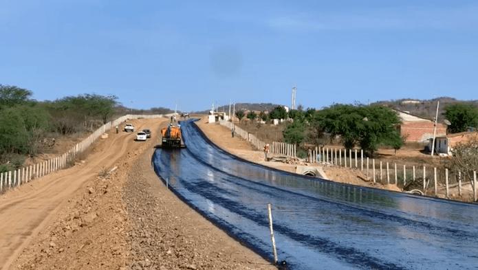 PB 200 entre Juazeirinho e Santo André começa a ser preparada para receber asfalto