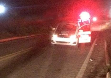 PM prende andarilho que estava atirando pedras em veículos em Monteiro