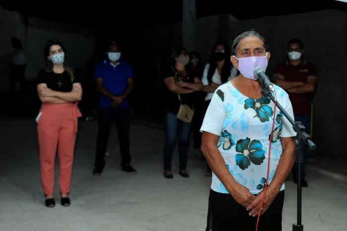 MOÍDOS DA REDAÇÃO: Vila Santa Maria comemora com a prefeita Anna Lorena mais duas ruas pavimentadas