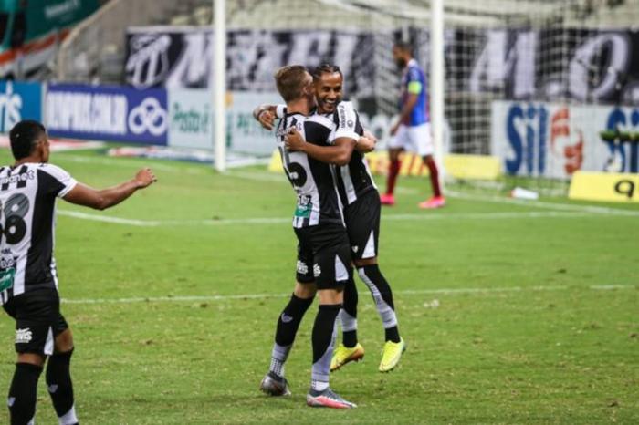 Ceará bate o Bahia e deixa a zona de rebaixamento do Brasileiro