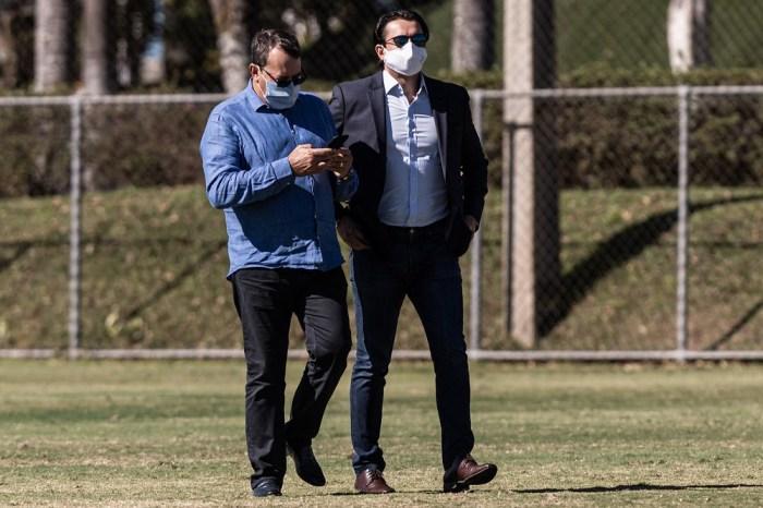 Mecenas do Cruzeiro faz cobrança a presidente e pede Enderson fora