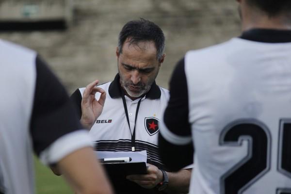 Zimmermann vê Botafogo-PB em evolução e acredita em empate