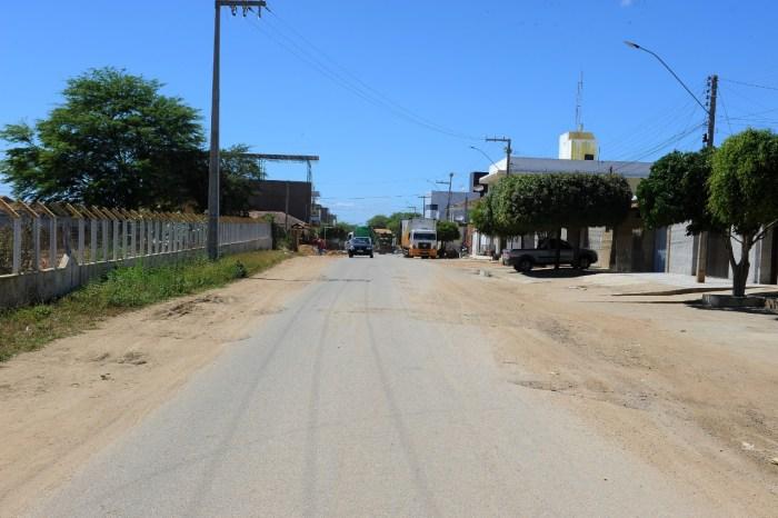 Estado abre licitação para obras de recapeamento asfáltico no trecho entre Feira de Gado de Monteiro à PB 196