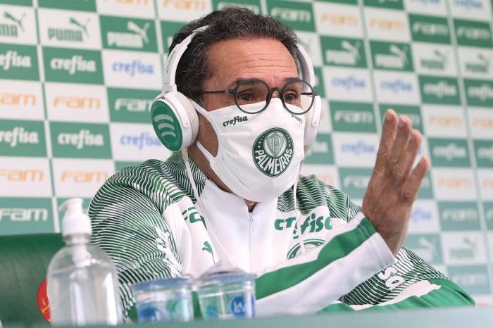 Cai mais um técnico na Série A do Brasileirão