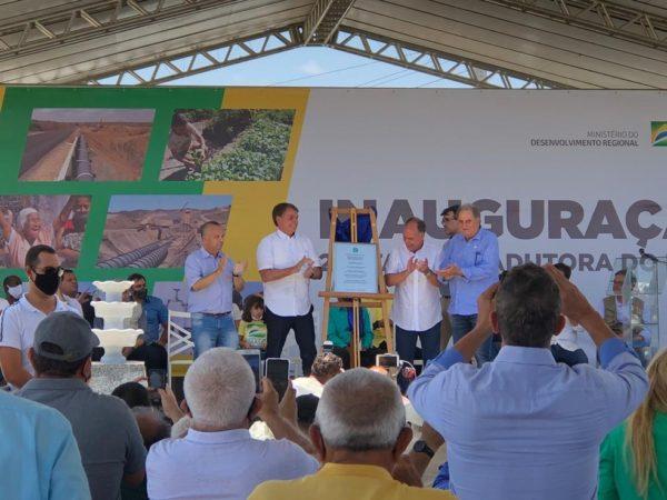 Pernambuco e sem o governador, Bolsonaro inaugura obra no Pajeú