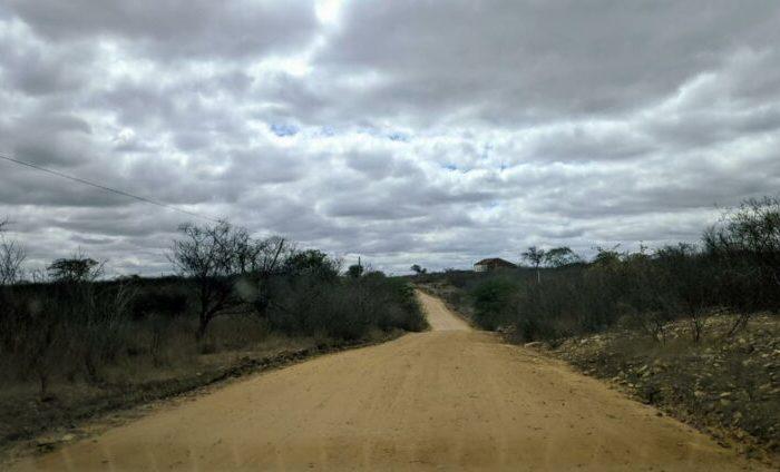 Governador assina O.S. para pavimentação da estrada que liga Cordeiros a Livramento
