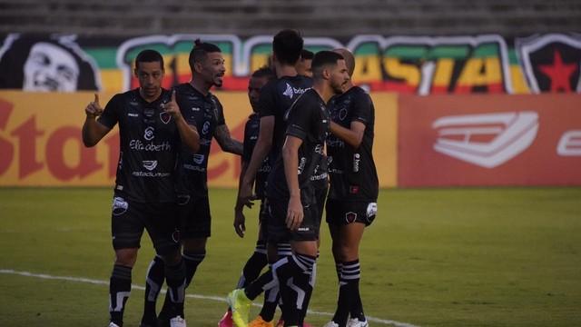 Botafogo-PB massacra o Imperatriz com placar de 7x0