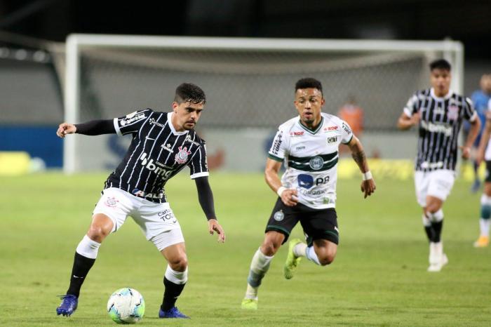 Corinthians vence Coxa e respira na luta contra o rebaixamento