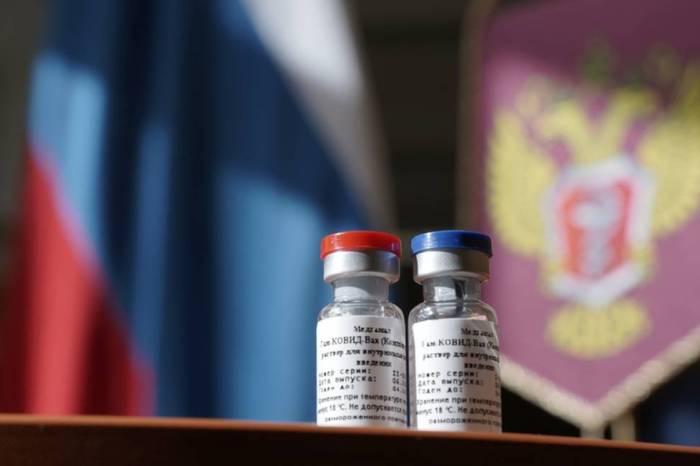 Sputnik V: Rússia começa a vacinar militares contra a Covid