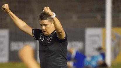 Botafogo-PB deve manter treinador para temporada 2021