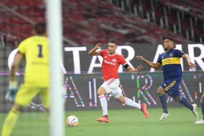 Internacional perde em casa e se complica nas oitavas da Libertadores