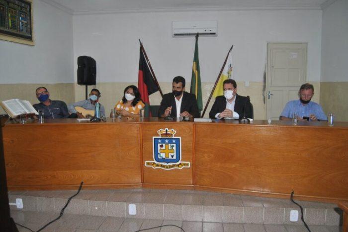 Câmara de São João do Cariri realiza sessão especial e entrega títulos de cidadania e honrarias