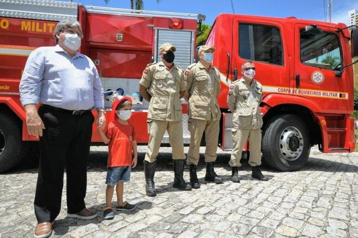 Governador destina viatura de combate a incêndio e salvamento para Corpo de Bombeiros em Sumé