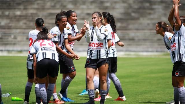 Botafogo-PB levanta a taça do estadual feminino de 2020