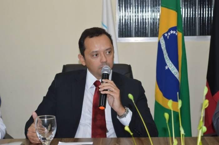 Prefeito de Sumé, Éden Duarte inicia gestão com mudanças no secretariado