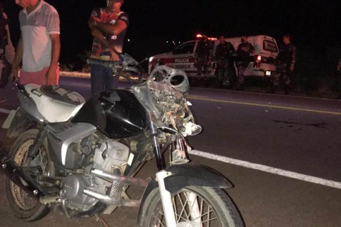 Motociclista fica ferido após colidir com cavalo no Cariri