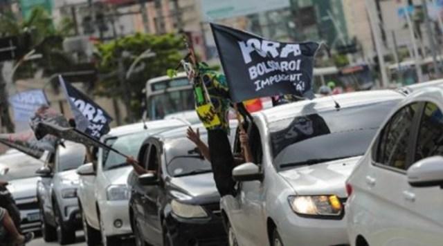 """MOÍDOS DA REDAÇÃO: """"Fora Bolsonaro"""" foi o grito de ordem deste sábado em carreatas pelo Brasil contra o presidente"""