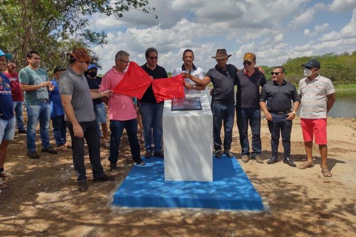 Prefeito Éden Duarte entrega obra de recuperação do sangradouro do açude de Passagem Rasa