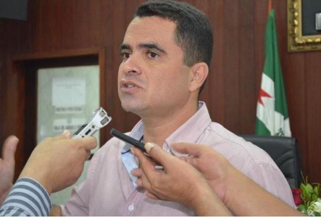 Gestão de Pedrito Gomes gasta quase R$ 10 milhões com combustível em Cruz do Espírito Santo