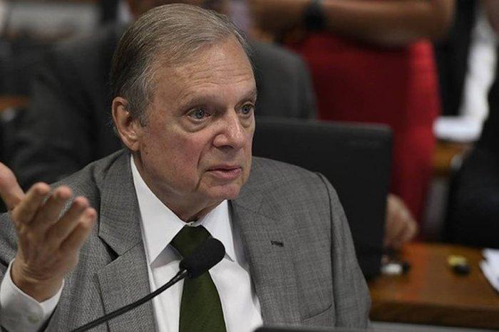 Senadores de oito partidos falam em CPI e impeachment
