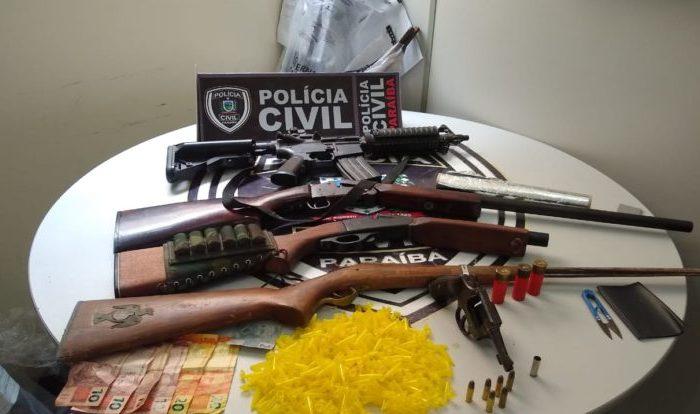 Polícia Civil cumpre mandado judicial e prende jovem de 21 anos com armas de fogo no Cariri