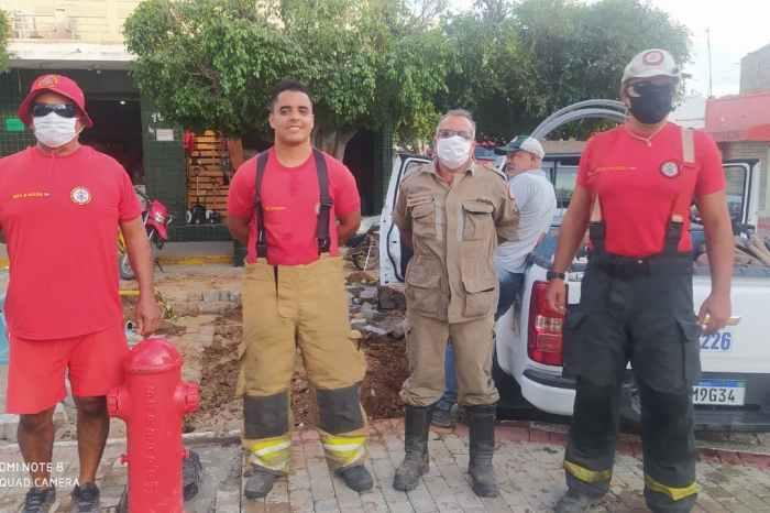 Combate a Incêndios: Corpo de Bombeiros instala hidrante público na cidade de Sumé