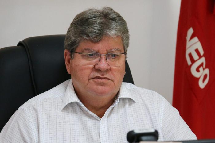 Pandemia: João Azevedo rebate sobre posicionamento de outros gestores no estado da PB