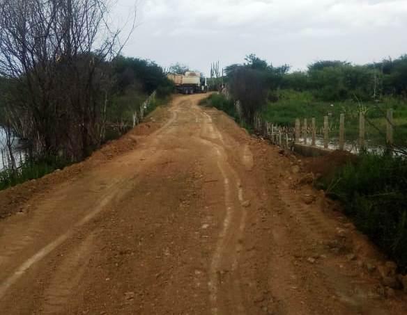 Secretaria de Agricultura atende população e realiza recuperação de estradas vicinais