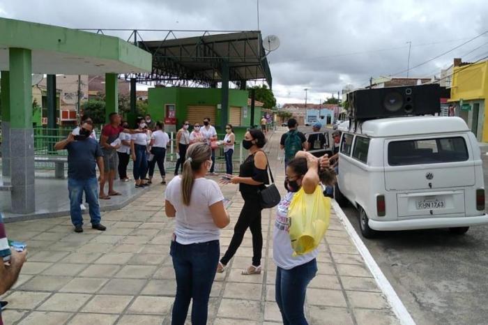 Boa Vista: Professores em greve fazem protesto e reivindicam direitos básicos