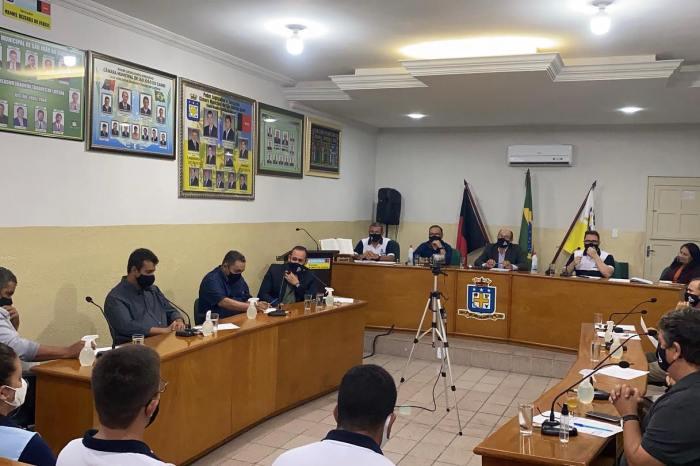 Câmara de São João do Cariri retorna sessões com a presença do público e Legislativo aprova projetos