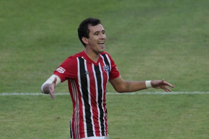 Pablo marca, São Paulo bate o Palmeiras e quebra tabu no Paulistão