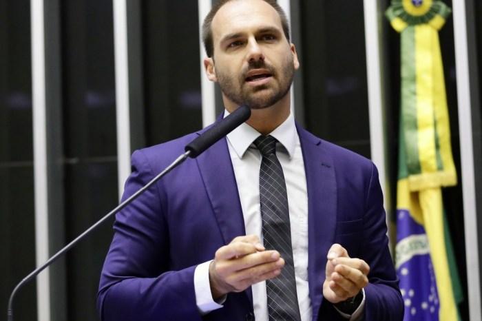 Relator pede arquivamento de processo contra Eduardo Bolsonaro