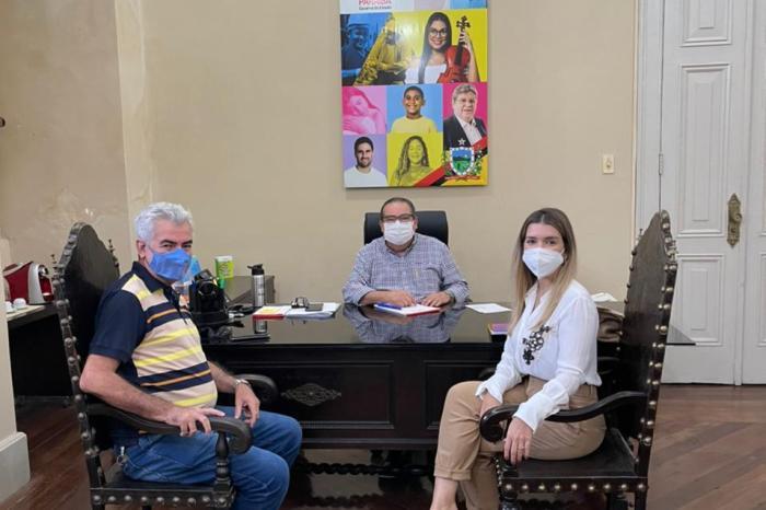 Prefeita Anna Lorena é recebida pelo chefe de Gabinete do Governador, Ronaldo Guerra