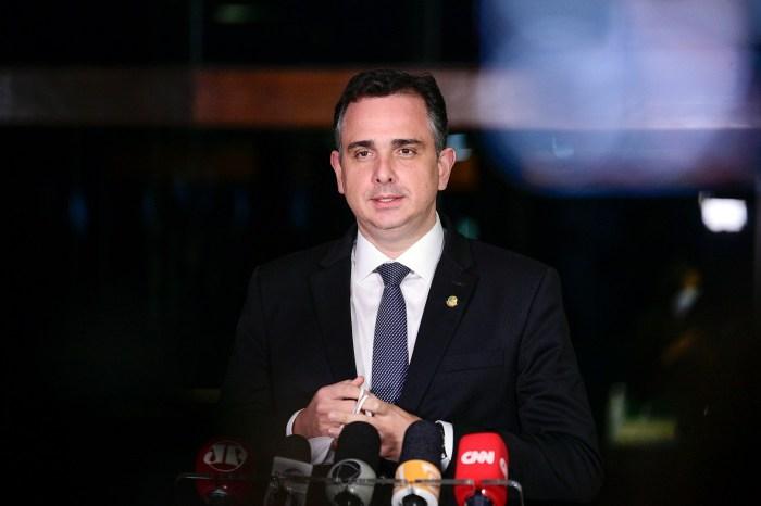 CPI da Covid: Pacheco descarta cumprir decisão de juiz que veta Renan como relator