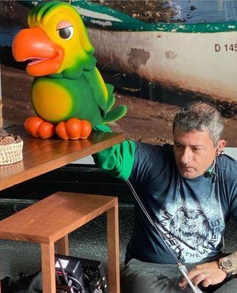 VEJA: Imagens revelam como era vida de Tom Veiga, o Louro José, fora da TV