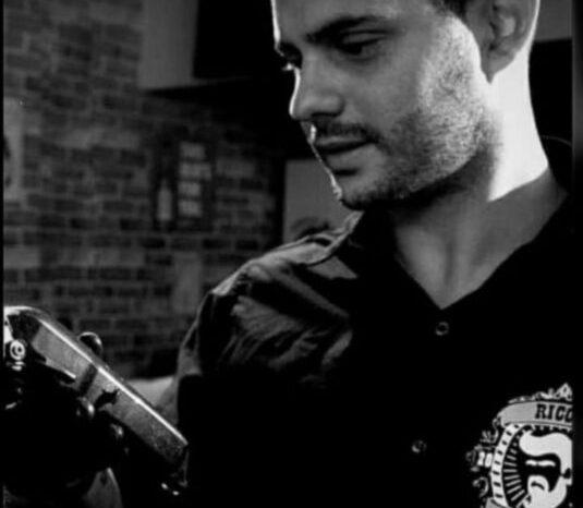 Aos 29 anos, jovem dono de barbearia morre vítima da Covid-19 em Serra Branca