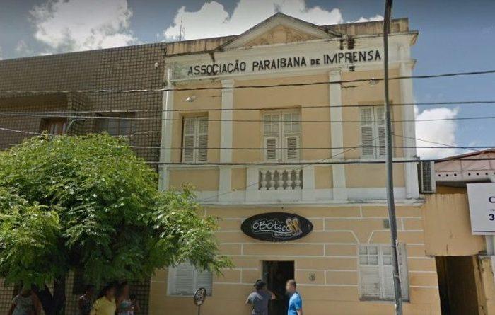API lamenta morte do jornalista Eduardo Carneiro