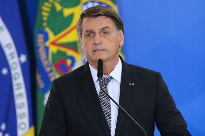 Bolsonaro parabeniza polícia após operação no Jacarezinho