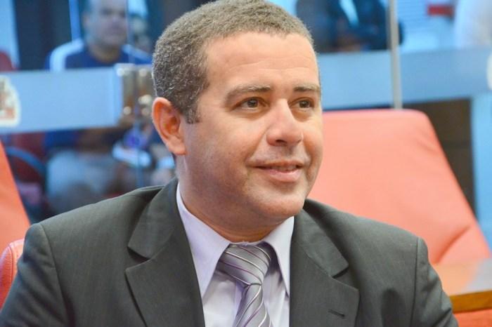 Secretário de Segurança de João Pessoa é denunciado por ter furado a fila da vacinação contra Covid-19