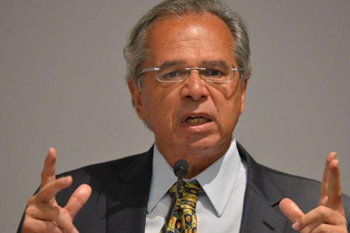 Reforma administrativa é 'sobrevivência financeira', diz Guedes