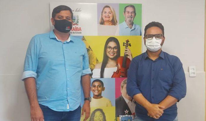 Cabaceiras vai ganhar Casa da Cidadania ainda esse ano, garante secretário Tibério, em audiência com Tiago Castro