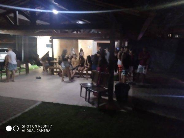 PM encerra festa com cerca de 100 pessoas, na zona sul de João Pessoa