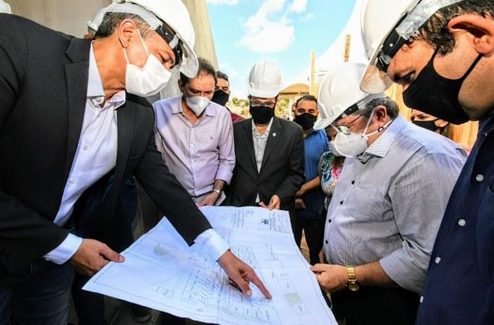 Governador visita obras do Hospital Infantil de Santa Rita e assegura parceria com a prefeitura