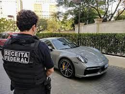 Piloto de automobilismo é preso suspeito de comandar fraude bilionária