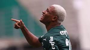 Palmeiras recebe oferta de R$ 77 milhões do Watford pelo volante Danilo