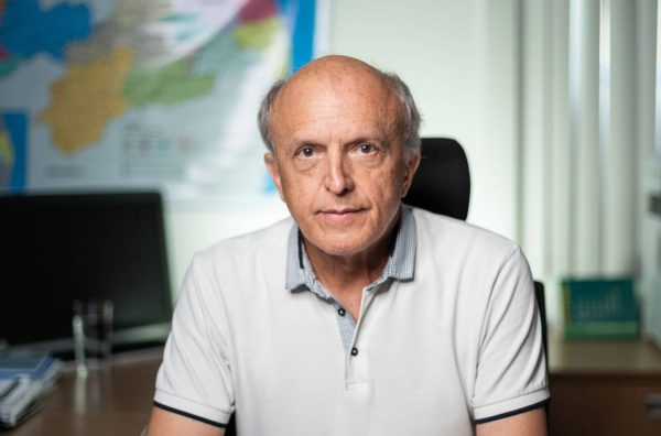 Suspensão da AstraZeneca para gestantes é temporária, diz Geraldo Medeiros