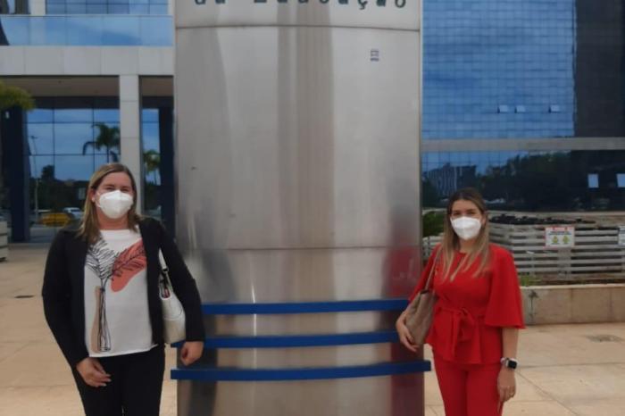 Prefeita Anna Lorena viaja a Brasília e retorna com diversos investimentos para Monteiro