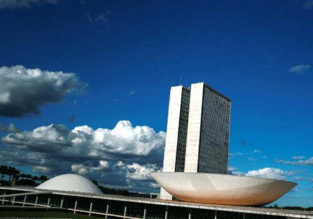 Congresso vota projeto que libera R$ 20 bi para benefícios sociais